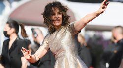 Valérie Lemercier a fait honneur à Céline Dion sur le tapis rouge de