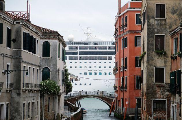 Τέλος τα κρουαζιερόπλοια για τη Βενετία - Γιατί απαγορεύεται η προσέγγιση από 1η