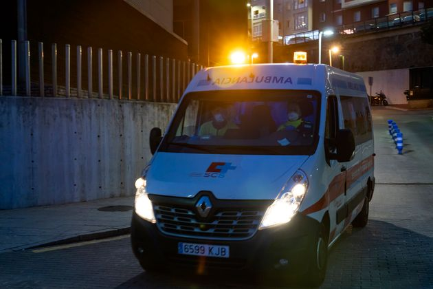 Una ambulancia en Santander, en una foto de