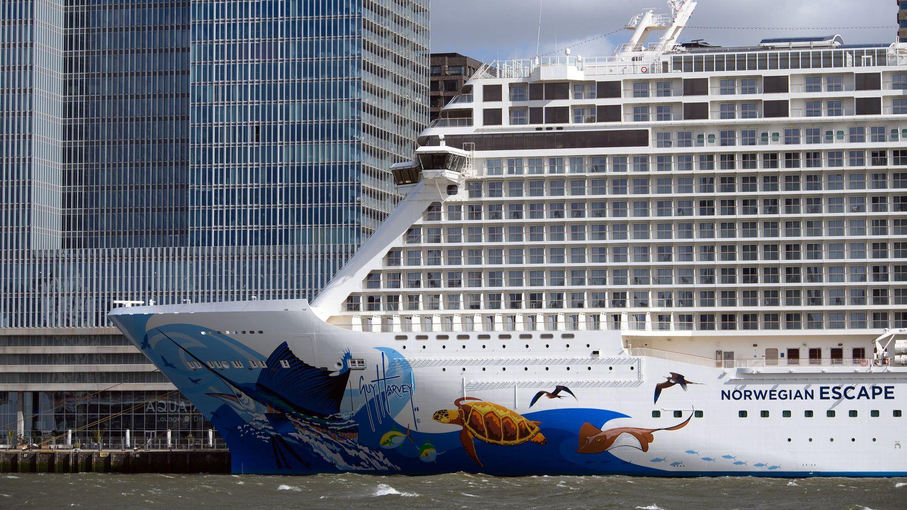 Norwegian Cruises Sues Florida Over Anti-Vaccination Law