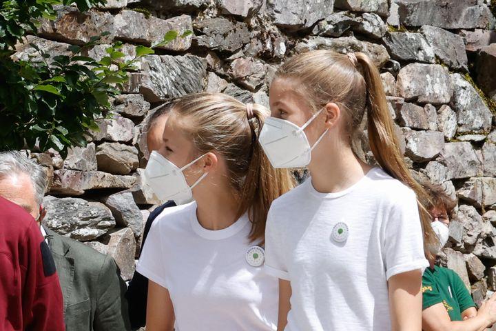 La princesa Leonor y la infanta Sofía en el acto de clausura de la campaña Un árbol por Europa.