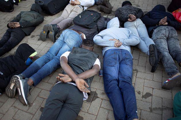 Arrestos masivos tras los disturbios en