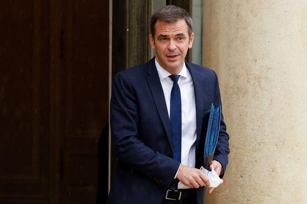 Le ministre de la Santé Olivier Véran a annoncé un assouplissement dans l'application...