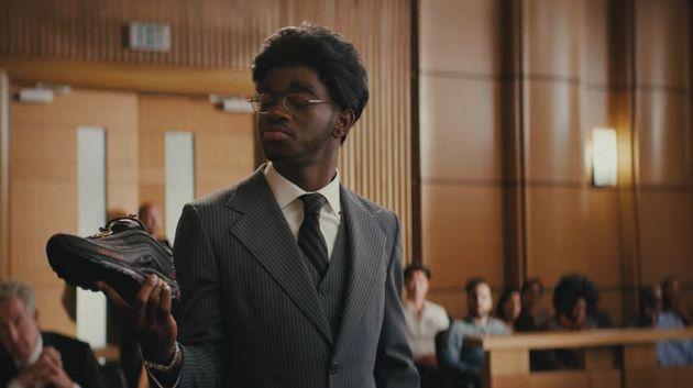 Lil Nas X, ici sous les traits du procureur dans ledit teasing de son single