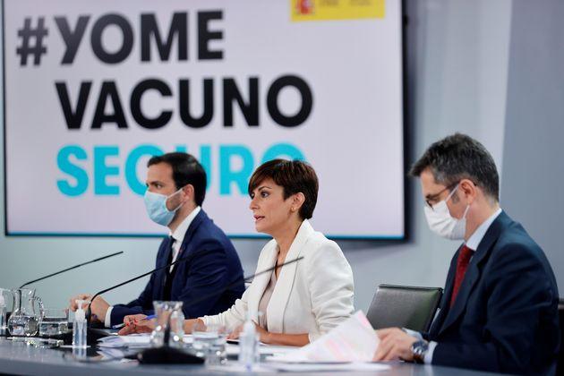 La ministra de Política Territorial y portavoz del Gobierno, Isabel Rodríguez; el ministro...