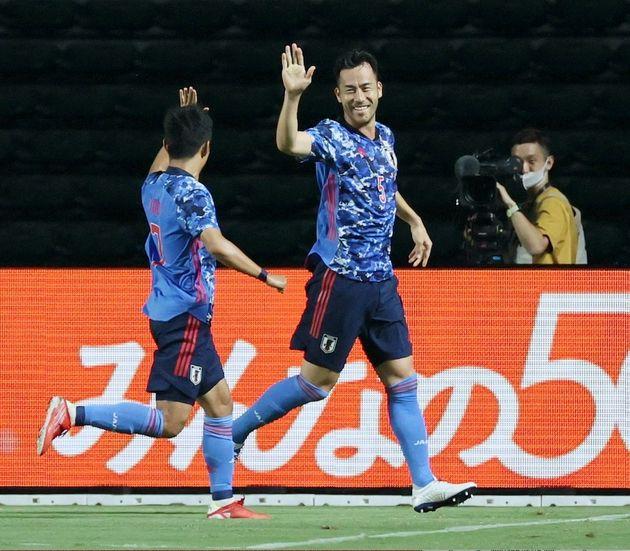 国際親善試合の対ホンジュラス戦。前半に先制ゴールを決め喜ぶサッカー日本代表の吉田麻也選手(2021年07月12日撮影)
