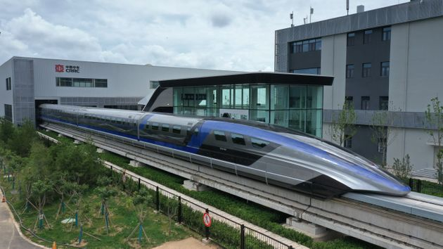 Κίνα: Ντεμπούτο για το ταχύτερο τρένο του