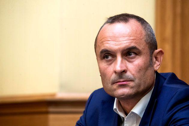 Il deputato Enrico Costa durante la conferenza stampa per annunciare il suo passaggio al movimento ÒAzioneÓ...