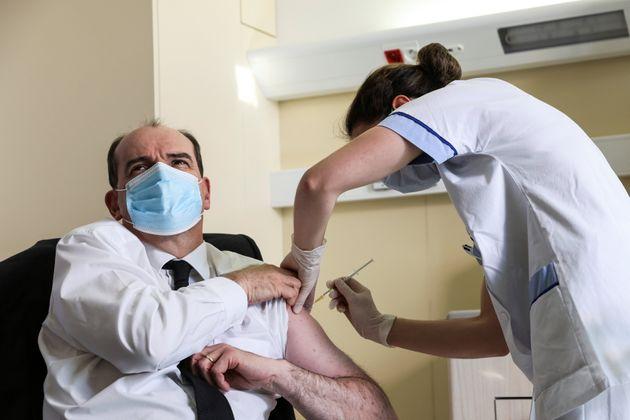 Le Premier ministre, Jean Castex, lors de sa vaccination à l'AstraZeneca à l'Hôpital...