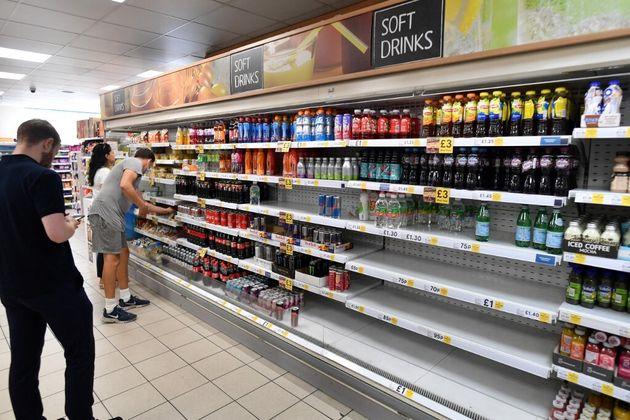 Un rayon vide dans un supermarché Tesco du centre de Londres, le 22 juillet