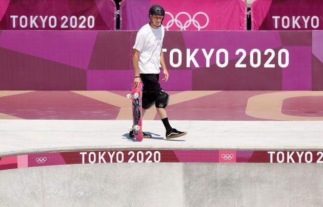 Le passionné de skateboard, Tony Hawk, sur le skatepark des Jeux olympiques de Tokyo, le 22 juillet