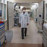 Covid mette pressione su ospedali Spagna, cresce in Francia, boom isolati in