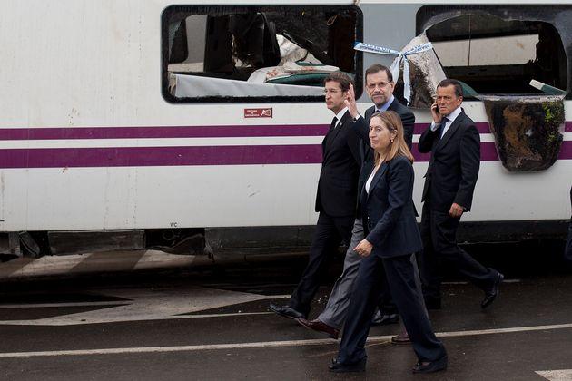 El presidente de la Xunta, Alberto Núñez Feijóo, el expresidente Mariano Rajoy y la exministra de Fomento...