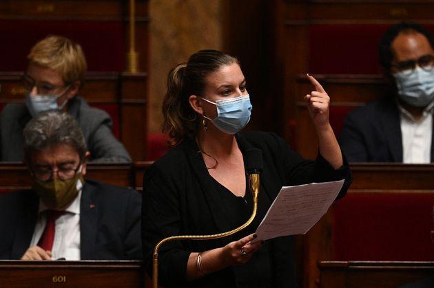 La députée insoumise Mathilde Panot, ici photographiée à l'Assemblée...