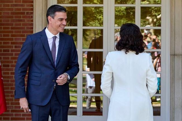 Sánchez recibe a Ayuso en La