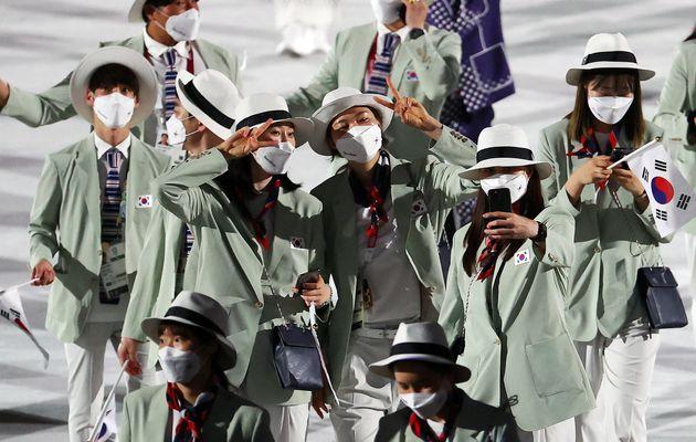 23일 오후 일본 도쿄 국립경기장에서 열린 2020 도쿄올림픽 개막식에서 대한민국 선수들이 입자하고