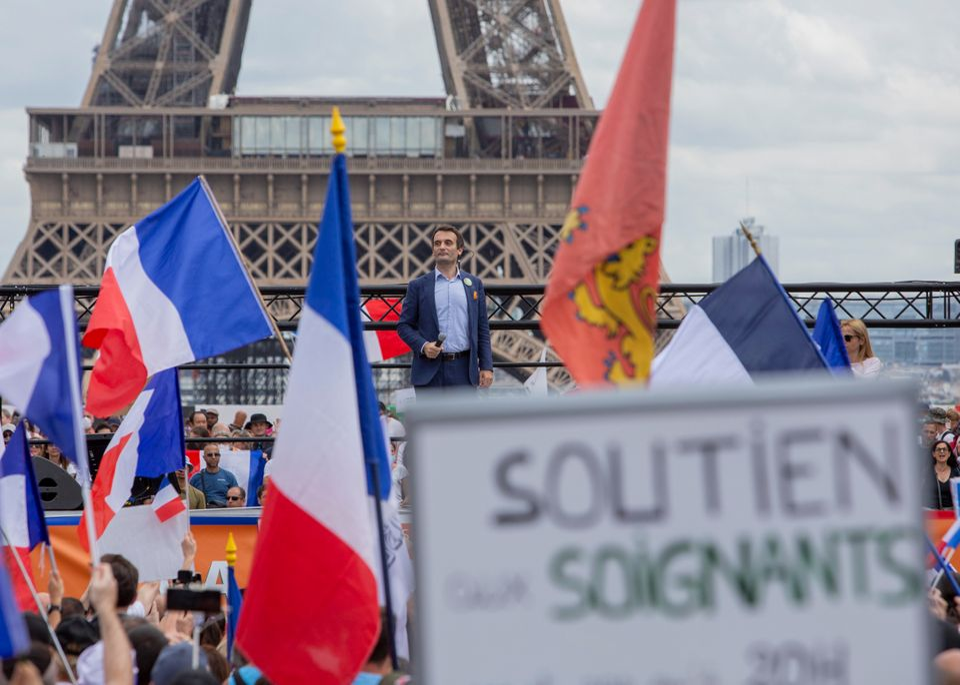 Παρίσι: Συγκρούσεις με την αστυνομία σε διαδήλωση κατά των μέτρων του