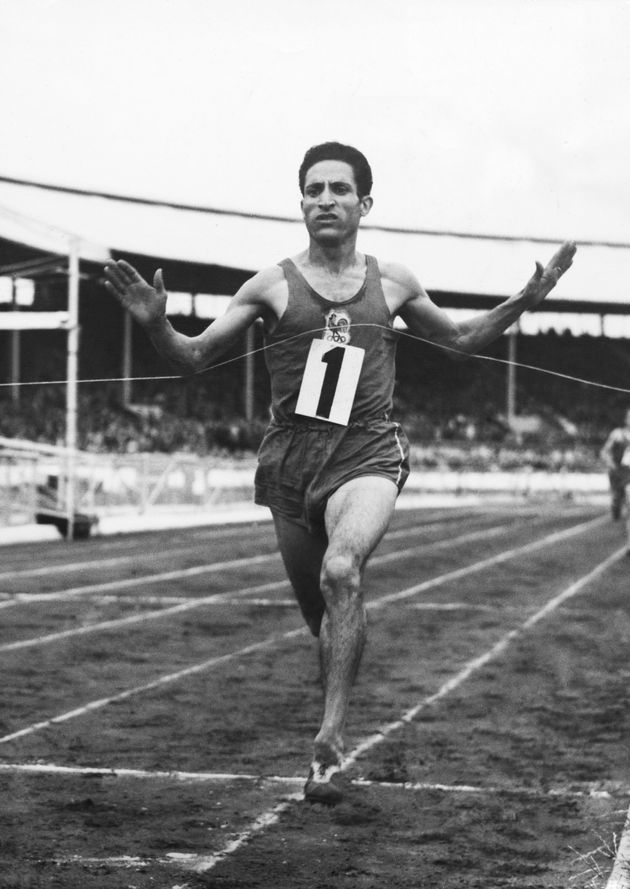 UNITED KINGDOM - AUGUST 01: Mimoun Wins The Three Miles Event At The White City At London In England On August 1St 1949 (Photo by Keystone-France/Gamma-Keystone via Getty Images)