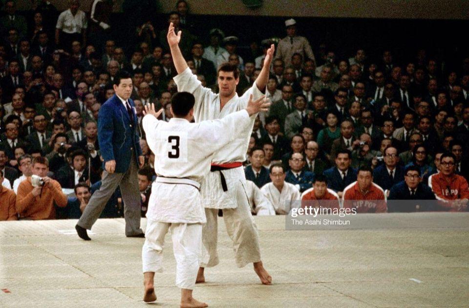 Anton Geesink contro Akio Kaminaga, Olimpiadi di Tokyo
