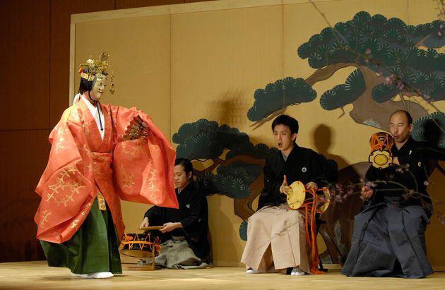 能「養老水波の伝」(東京都台東区上野の国立博物館=2007年4月9日撮影)