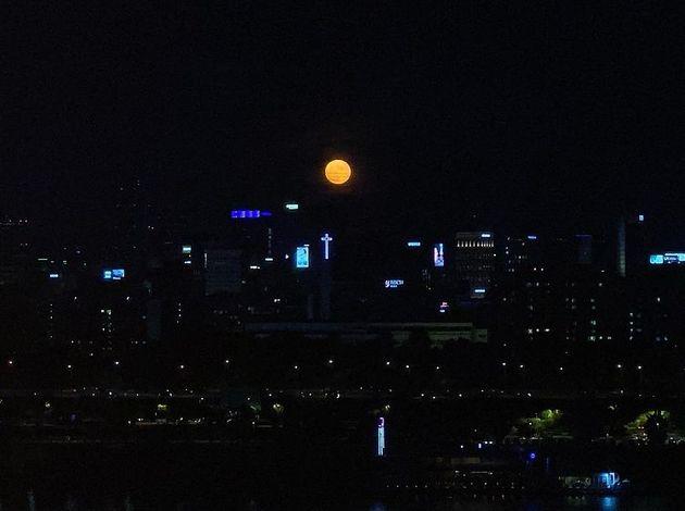 태양이 올린 보름달