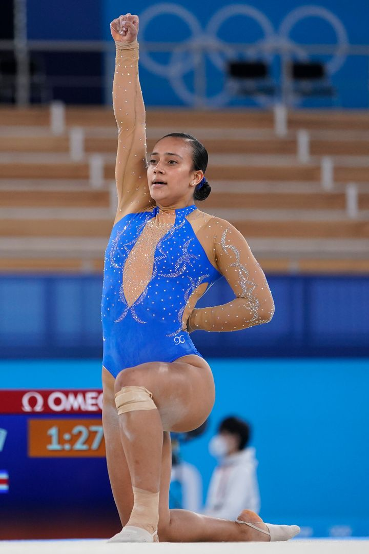 Luciana Alvarado ends her floor routine with a tribute to Black Lives Matter at the Tokyo Olympics.