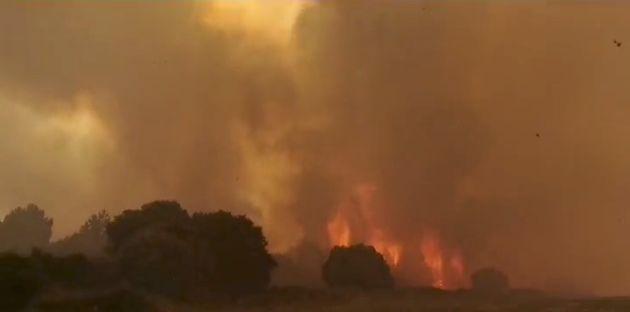 Ιταλία: Μαίνεται η πυρκαγιά στη Σαρδηνία - Εφτασαν Καναντέρ από