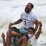 Le surf a ses premiers champions