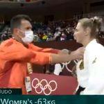 Cette judokate explique la technique brutale de son coach pour