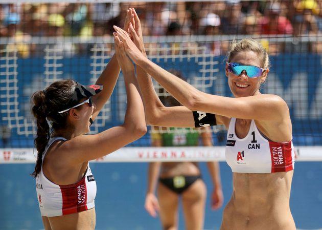Ολυμπιακοί Αγώνες: Γιατί οι αθλήτριες του μπιτς βόλεϊ φορούν