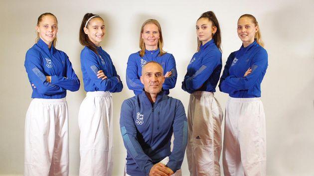 Adriana Cerezo, con sus compañeras. De izquierda a derecha: Luana Marton, Adriana Cerezo, Suvi Mikkonen,...