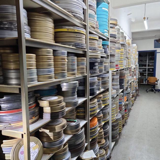 Πώς διασώθηκαν 500 ιστορικές μπομπίνες από διαρροή χημικών στο πρώην κτίριο της