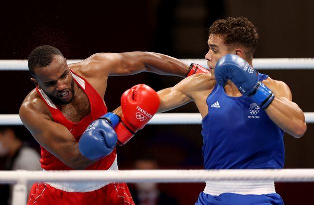 Los boxeadores Youness Baalla y David Nyika en los Juego de