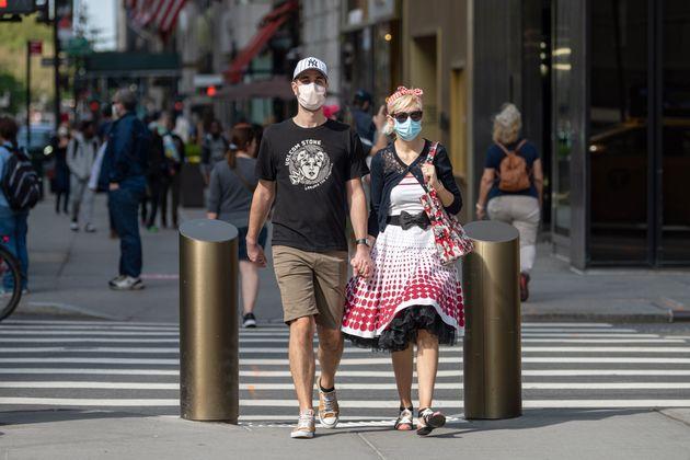 Επιστρέφει η μάσκα για τους πλήρως εμβολιασμένους στις ΗΠΑ - Νέα σύσταση του