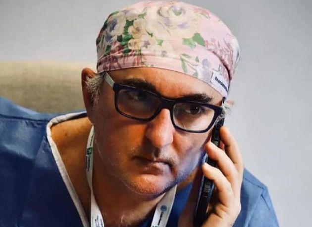 Una immagine di Giuseppe De Donno tratta dal profilo facebook Giuseppe De Donno Medico. Si è tolto...
