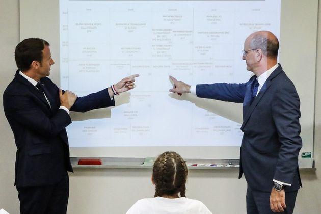 Avec l'éviction des élèves non vaccinés, Blanquer (ici avec Emmanuel Macron...