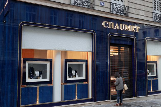La bijouterie Chaumet de la rue François 1er, à Paris, a été braquée mardi 27 juillet. Le lendemain,...