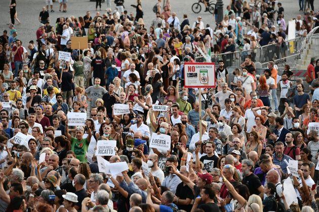 28/07/2021 Roma, Piazza del Popolo, Manifestazionedel movimento Io sto con l'avvocato Polacco contro...