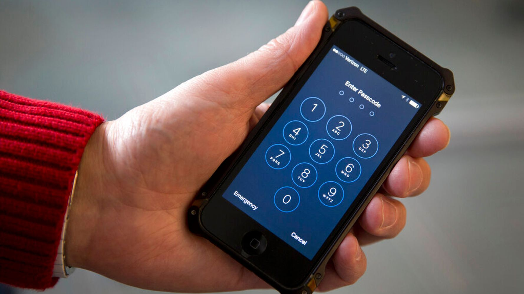 One Simple Step Can Thwart Phone Hackers From Stealing Your Info