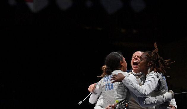 Ysaora Thibus célèbre sa qualification pour la finale féminine en équipe des Jo de Tokyo le 29 juillet