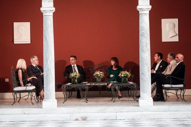 .Οι πολιτικοί αρχηγοί σε συνάντηση με την Πρόεδρο της Δημοκρατίας (Φωτογραφία Αρχείου)