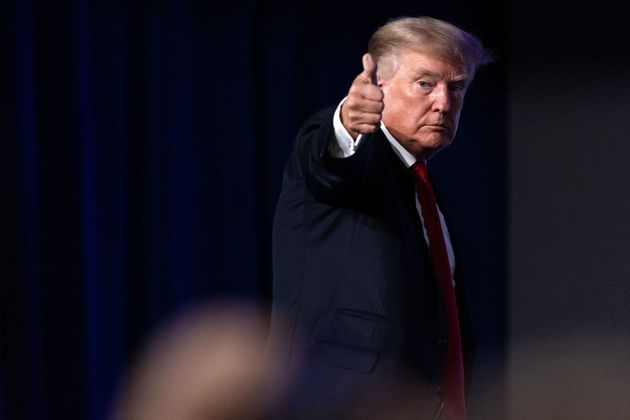 """Donald Trump lancia """"Truth"""", ecco la sua nuova piattaforma social: """"Contro la tirannia dei Big Tech"""""""