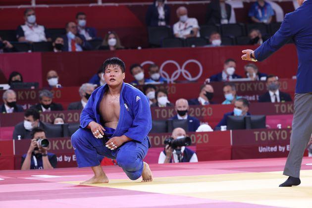 유도 남자 100kg급 결승전에서 은메달을 획득한