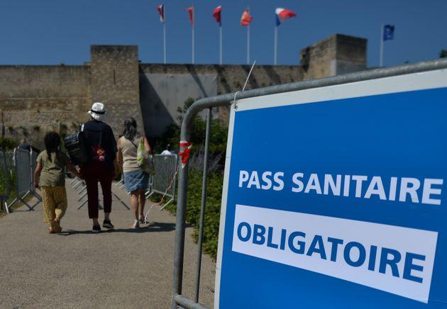 Le pass sanitaire exigé à l'entrée du château de Caen, le 21 juillet 2021....