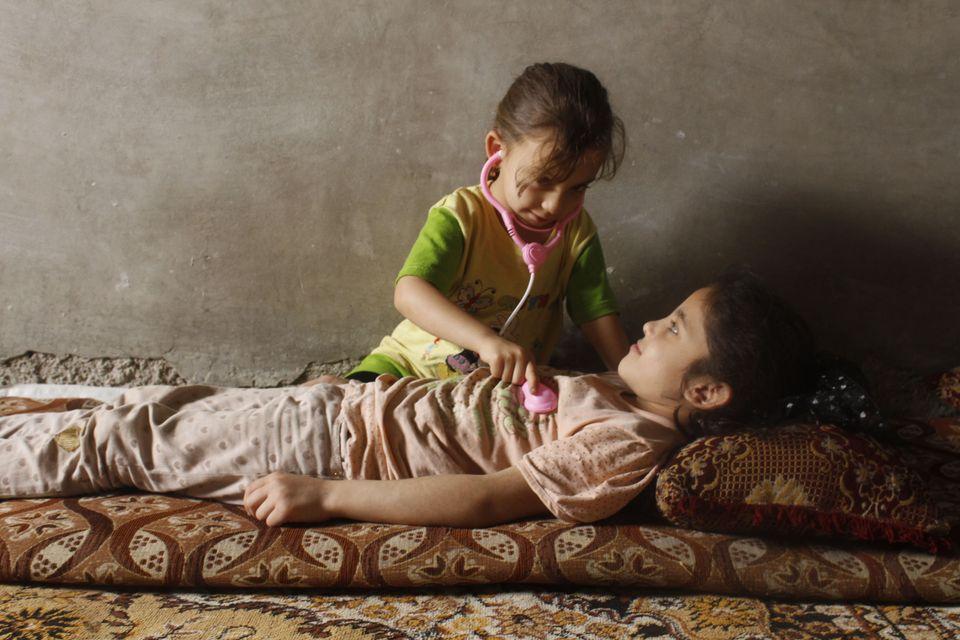 Questa è la foto di Amina, il cui sogno è quello di diventare un medico per alleviare il dolore delle...