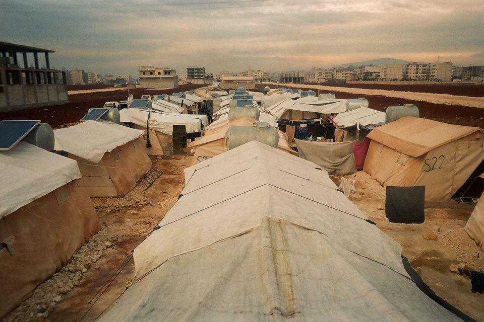 Avevo una casa, ma ora solo una tenda è il mio rifugio. Avevo una città, ma ora questo campo è la mia...