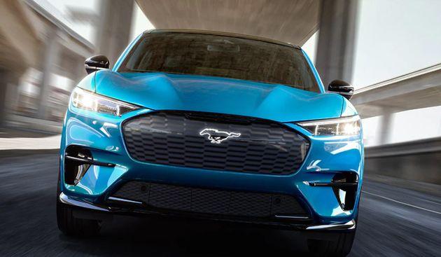 Οποιος αγοράζει το Ford Mustang Mach-E GT, θα παίρνει δώρο και το άρωμα βενζίνης.