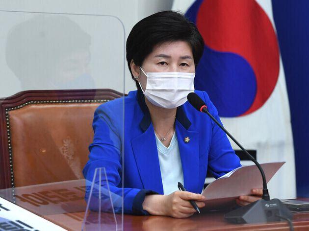 백혜련 더불어민주당 최고위원이 30일 오전 국회에서 열린 최고위원회의에서 발언을 하고