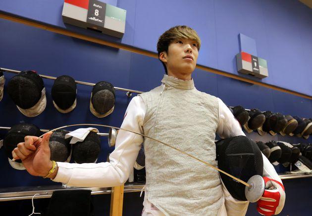 東京五輪のフェンシング・男子フルーレで、香港チームとしては初の金メダルに輝いた張家朗選手