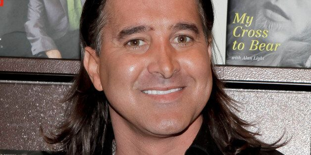 GLENDALE, CA - OCTOBER 11:  Lead vocalist Scott Stapp signs copes of his book 'Sinner's Creed' at Barnes & Noble Booksellers